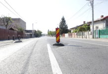 Asfaltul se lasă pe strada Bariera Vâlcii