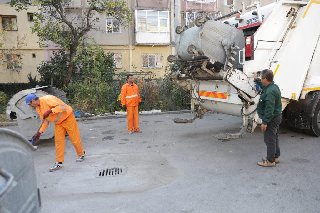 Salubritatea trebuie să mențină curățenia platformelor de gunoi din oraș