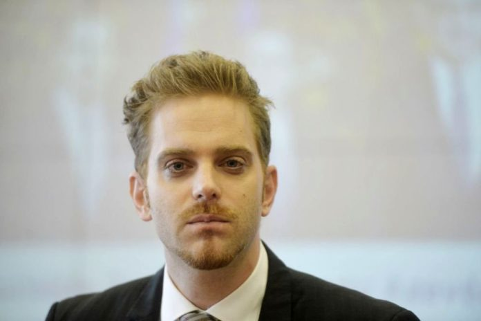 Conferințe de antreprenoriat susținute studenților de Ilan Laufer, suspectat de evaziune fiscală
