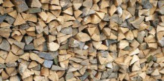 Razii la depozitele de lemn