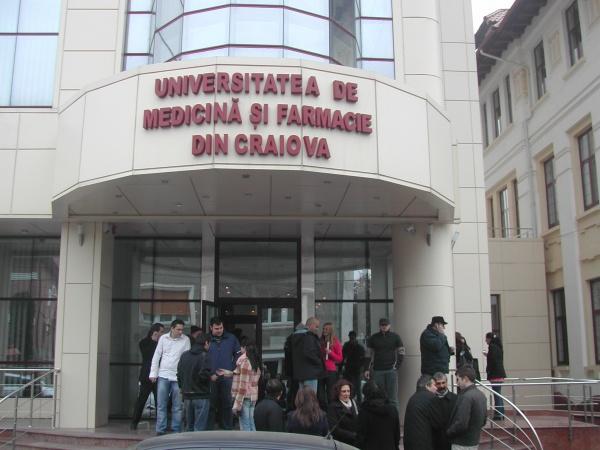 Studenții de Medicină cer un act oficial prin care să se asigure că nu se mai amână, din nou, rezidențiatul