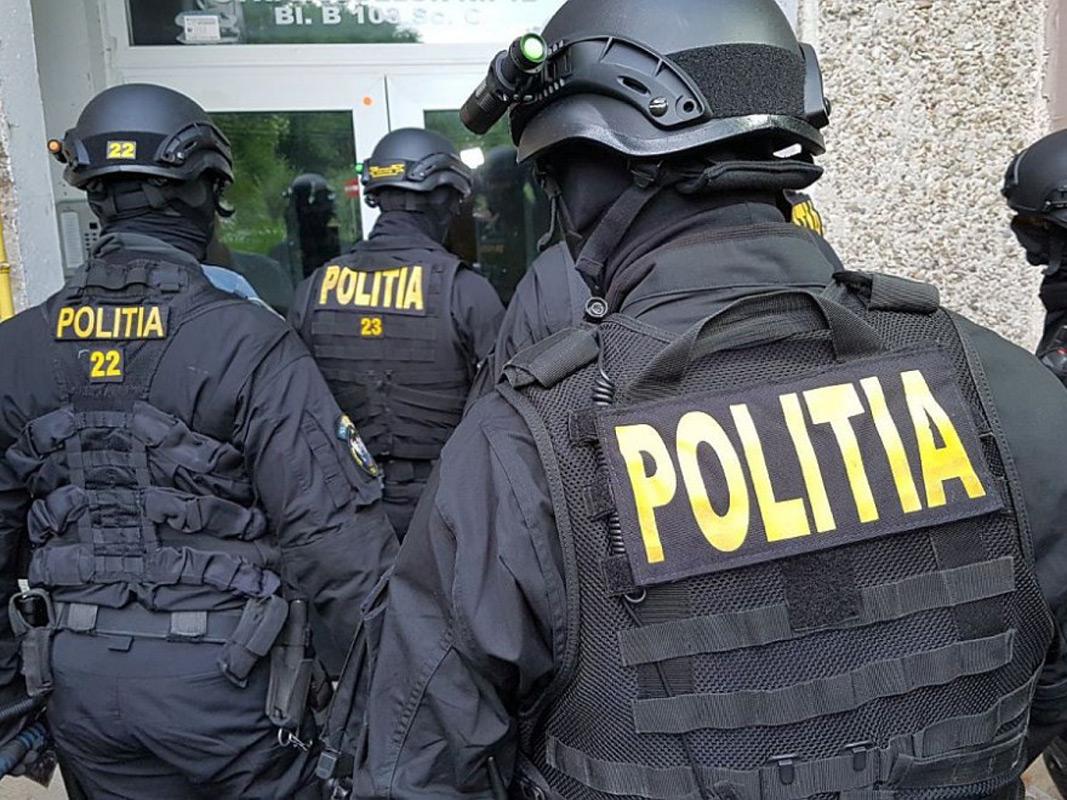 Polițiștii și procurorii D.I.I.C.O.T. din Constanța au organizat 13 percheziții la persoane bănuite de trafic de minori și proxenetismănuite de infracţiuni eceonomice