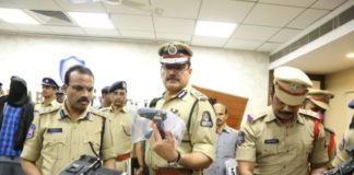 """""""Carder"""" craiovean, prezentat drept terorist în India"""
