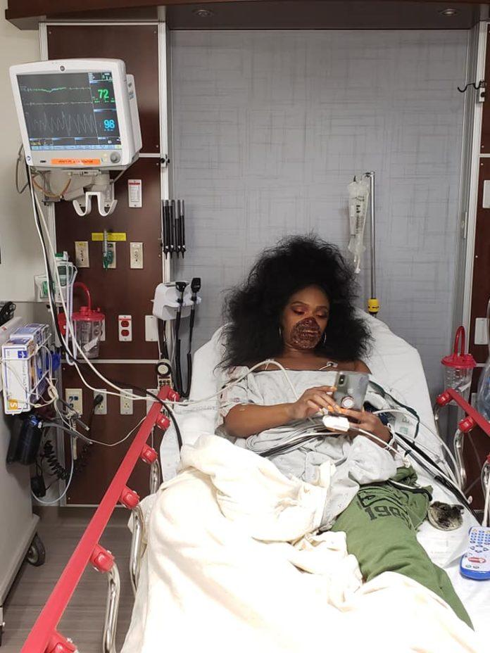 Medici speriaţi de o femeie care purta un machiaj de zombie