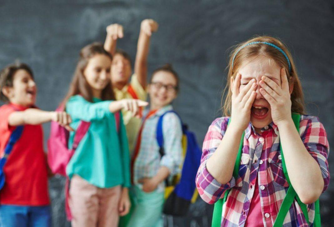 """Bullying-ul, extremă urgență. Consilier școlar: """"Înainte nu era atât de mare prăpastia"""""""