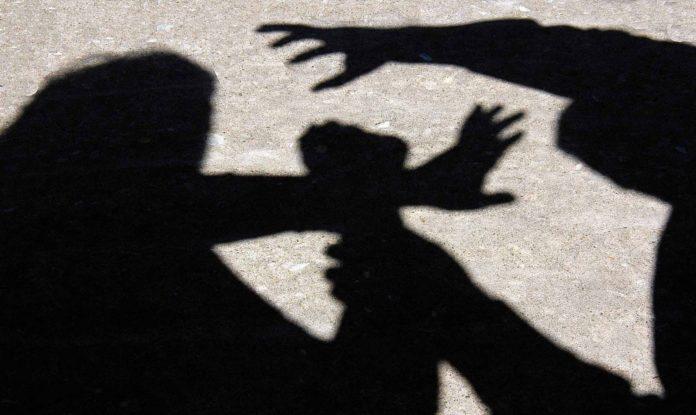 Gorj: Soț evacuat din casă de poliție, după ce și-ar fi agresat soția