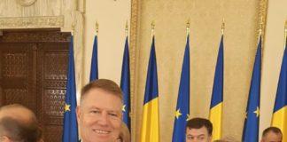 Actorul Valer Dellakeza, decorat de preşedintele Iohannis