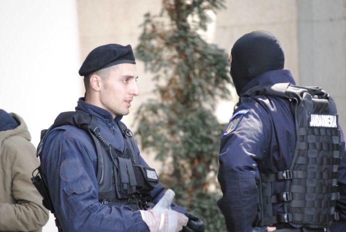 Zeci de jandarmi vor păzi secțiile de votare din județul Dolj, la alegerile prezidențiale