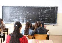 """Elevi de 15 ani la învăţământul primar şi de 50 de ani la gimnaziu, prin Programul """"A doua şansă"""""""