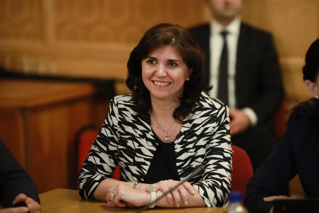 Deputaţii dezbat moţiunea simplă împotriva ministrului Educaţiei