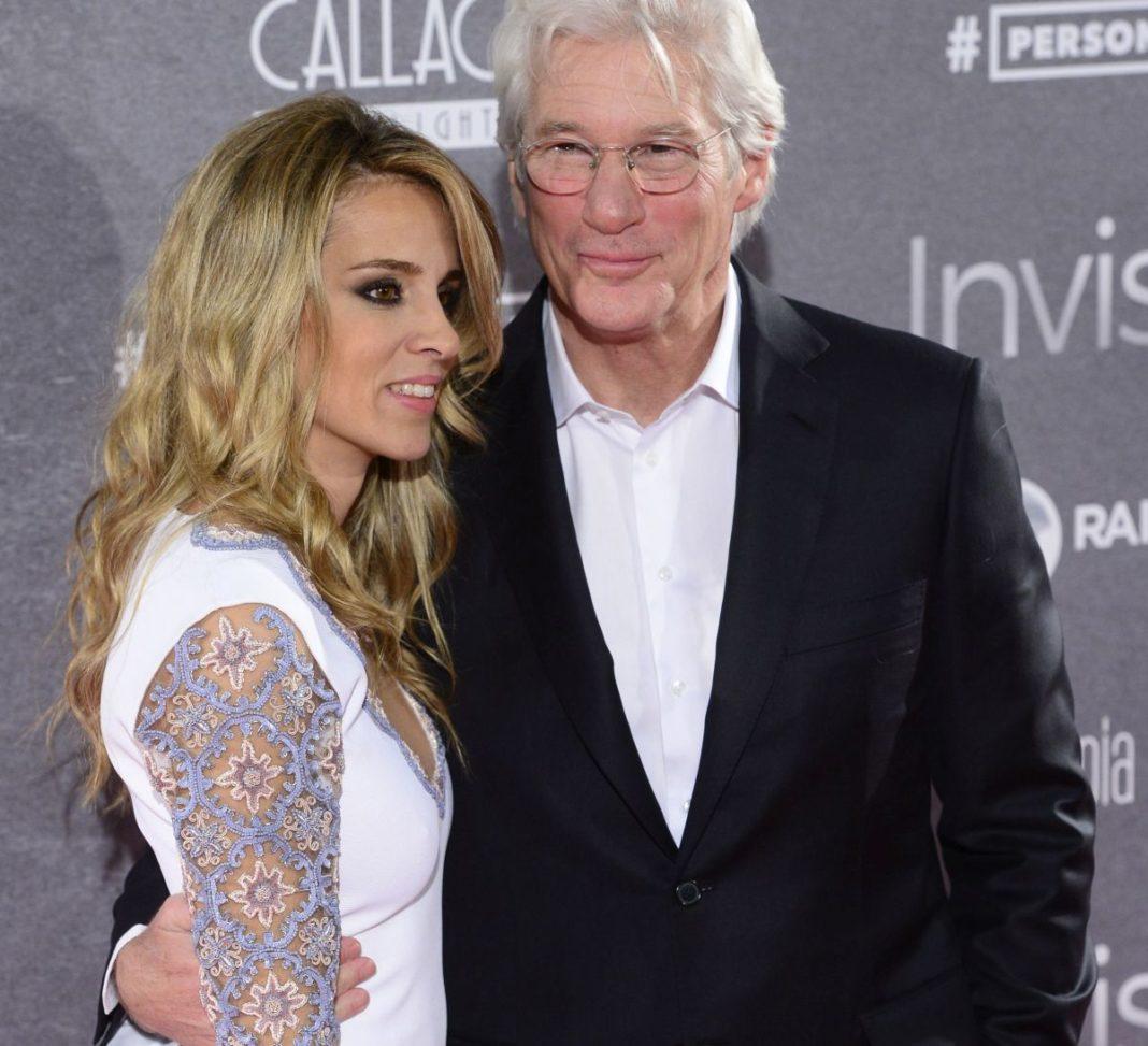 Richard Gere şi soţia sa, din nou părinţi