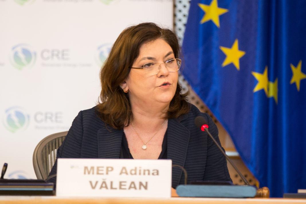 Peste 30 de miliarde de euro primește România în plus de la Comisia Europeană, prin granturi și împrumuturi, pentru a-i cheltui până în 2026, anunță Comisarul European pe Transporturi, Adina Vălean