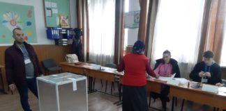 Numărul de votanţi la turul II al alegerilor prezidenţiale a depăşit 8 milioane, la ora 18.00