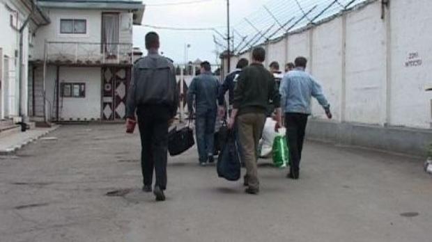 Peste 500 de deținuți, eliberați pe baza recursului compensatoriu au recidivat