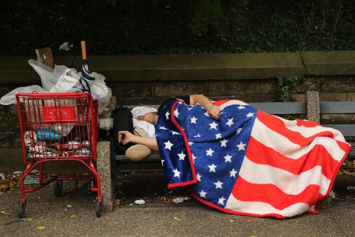 Dormitul pe stradă, interzis în Las Vegas