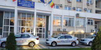 Fostului şef al Serviciului Financiar din cadrul IPJ Dolj este acuzat că a păgubit bugetul instituţiei cu aproape 180.000 de lei.