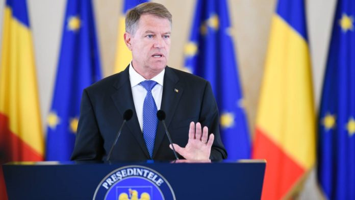 LIVEVIDEO Dezbaterea președintelui Iohannis cu jurnaliști și politologi