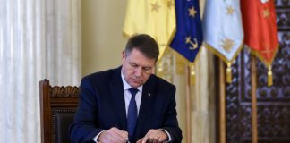 """A fost promulgată Legea văzută ca o """"măsură reparatorie"""". Klaus Iohannis a semnat decretul privind promulgarea Legii pentru modificarea OG nr. 105/1999."""