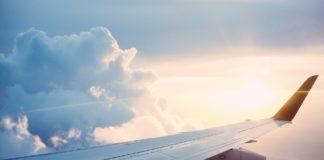 Un avion Wizz Air, care a decolat din București, nu a putut să aterizeze la Bergamo din cauza unei furtuni