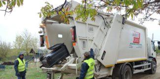 Operatorii Iridex colectează gunoiul în judeţul Dolj