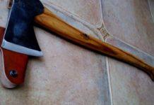 Un bărbat din Bistrița-Năsăud și-a atacat fiul cu o secure