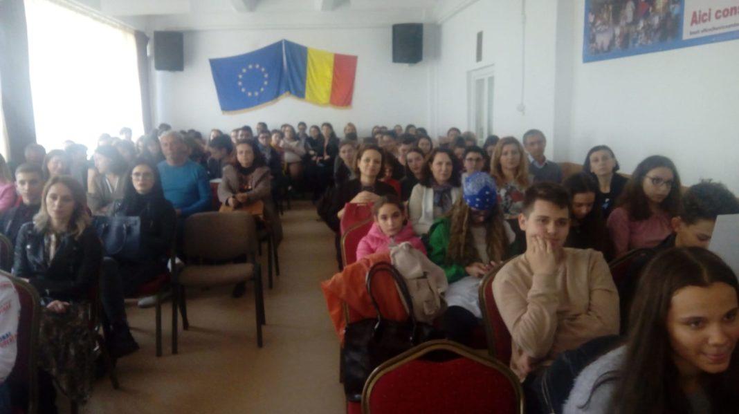 Ziua Internaşională a Toleranţei, marcată de elevii din Craiova
