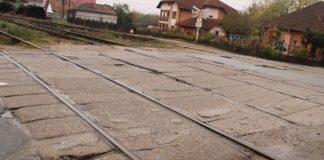 Târgu Jiu: Regionala CFR Craiova, amendată de Poliția Locală pentru neîntreținerea trecerilor la nivel cu calea ferată