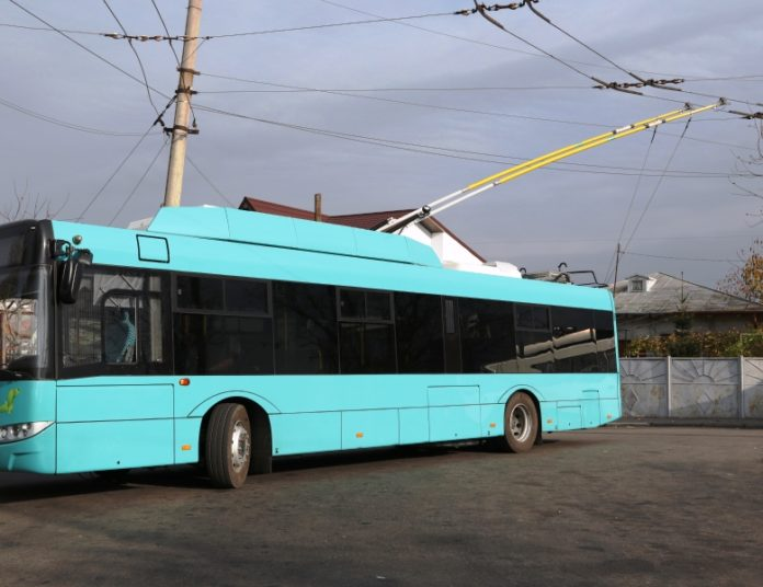Proiectul pentru achiziția de troleibuze pentru Târgu Jiu, blocat în continuare de Ministerul Dezvoltării