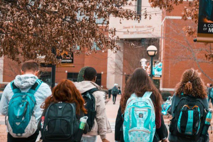 În ce măsură sunt pregătiți elevii să aplice în viața de zi cu zi ce învață la școală