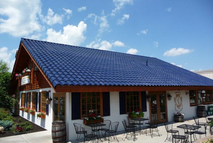 Noul acoperiş solar al Tesla va costa la fel ca unul normal