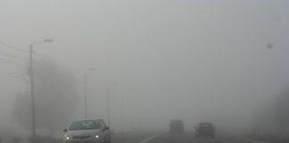 Se circulă în condiţii de ceață