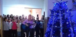 Moş Crăciun a venit şi la elevii din Bechet