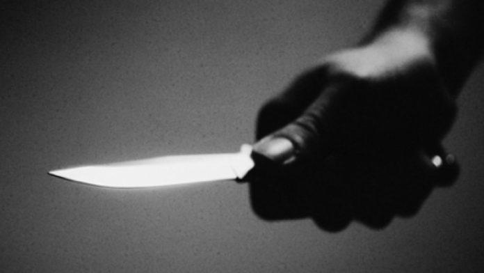 Un bărbat a încercat să se sinucidă după ce şi-a omorât soţia cu un cuţit