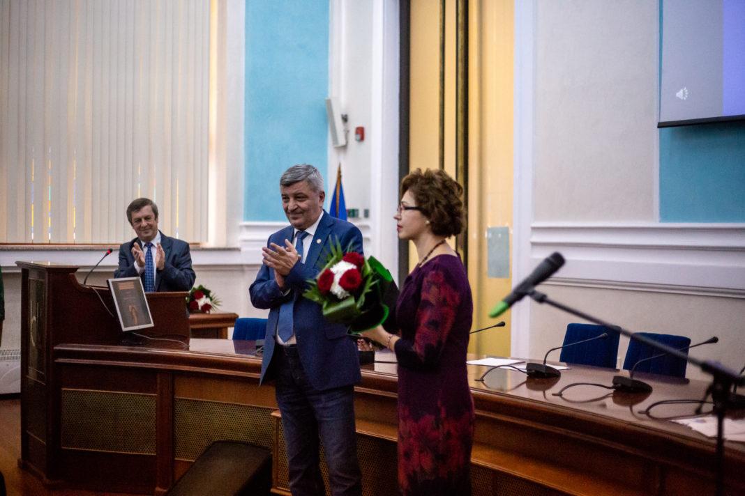 Profesori craioveni, premiați la Gala Cercetării Științifice de la Universitatea din Craiova