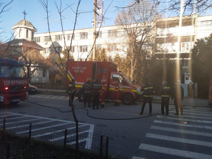 Pacienţi evacuaţi din Spitalul de Psihiatrie Slatina