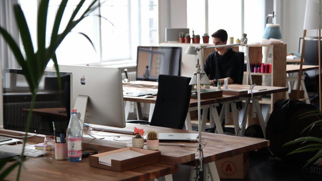 Peste jumătate dintre firmele din România vor să facă angajări, anul viitor
