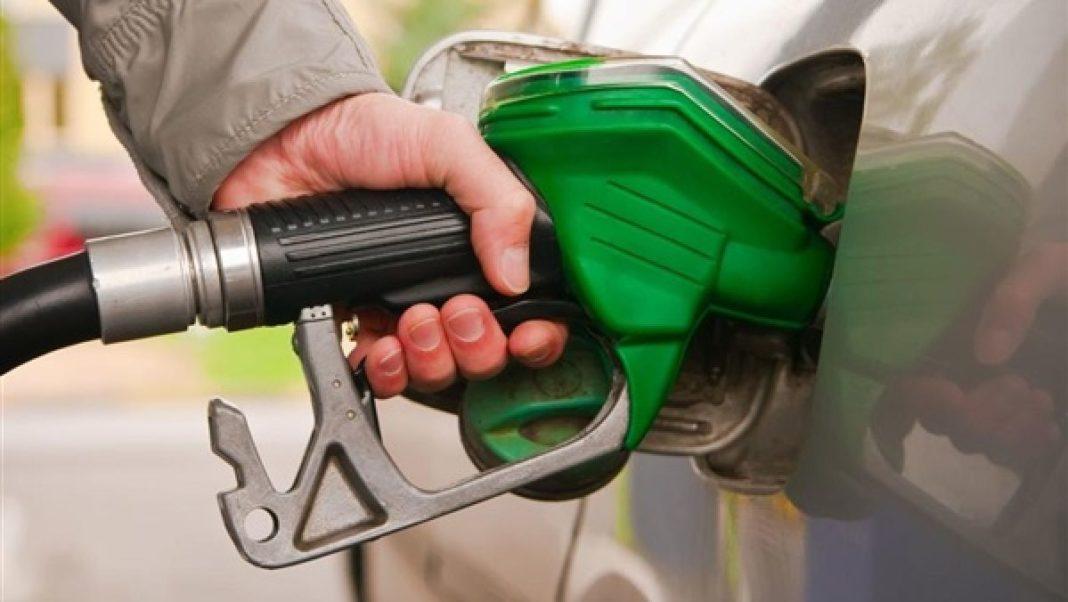 Camera Deputaților decide astăzi asupra proiectului de eliminare a supraaccizei la carburanți