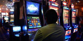 Anchetatorii spun că societatea comercială a exploatat mai multe aparate de jocuri cu aceleaşi serii.