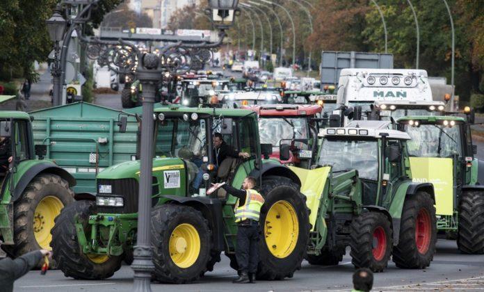 Fermierii din Germania protestează în mai multe orașe