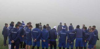 """FCU Craiova s-a reunit în această dimineaţă pe stadionul """"Aripile"""" (Foto: ediţie.ro)"""