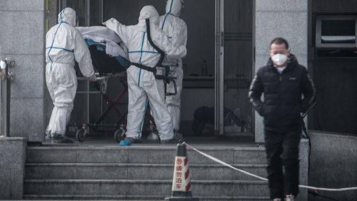 Încă un mort și 140 de cazuri noi de pneumonie (Foto:/AFP via Getty Images)