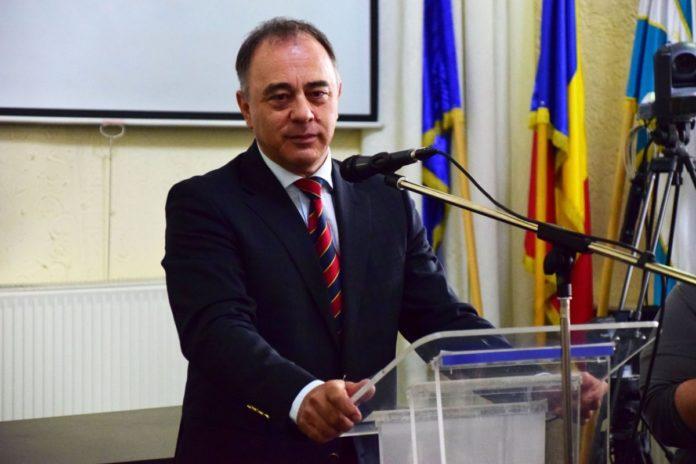 Primarul din Târgu Mureş revine cu explicaţii după ce a propus ca statul să decidă cine face copii: Ne jucăm cu o bombă socială