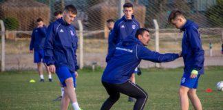 Eugen Trică a lucrat tactic cu elevii săi la antrenamentul de duminică (Foto: ediţie.ro)