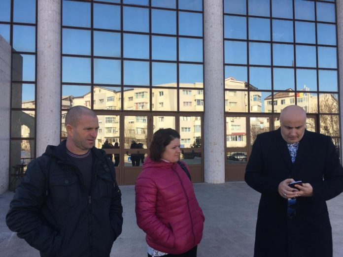 Cazul crimelor de la Caracal: Familia Măceșanu a cerut oficial strămutarea procesului de la Tribunalul Olt