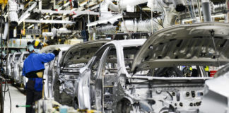 Piața auto mondială a scăzut dramatic anul trecut
