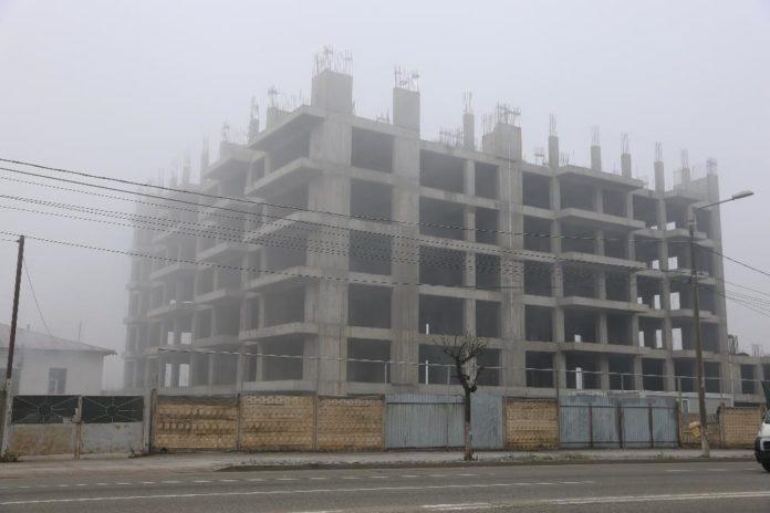 Agenţia Naţională pentru Locuinţe a ales, încă din luna august 2019, constructorul blocului L2 din cartierul chinezesc din Craiova, însă nu a făcut publică informaţia nici după solicitarea GdS