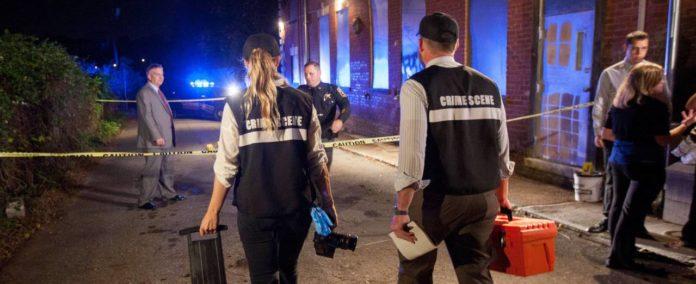 O româncă, ucisă cu cruzime în apartamentul ei