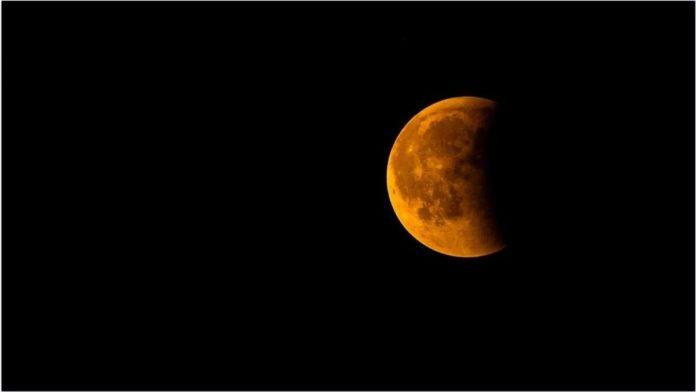 Prima eclipsă de lună din 2020 vizibilă în România
