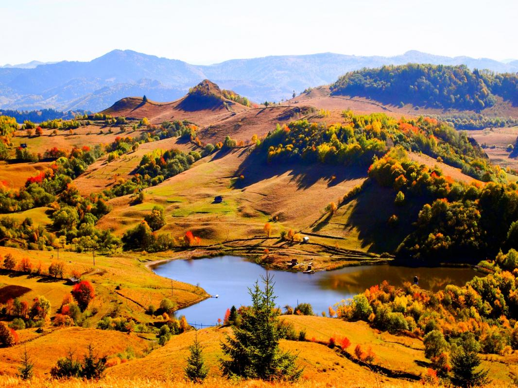 USR cere Guvernului reluarea procedurilor de înscriere a Roşiei Montane în Patrimoniul UNESCO