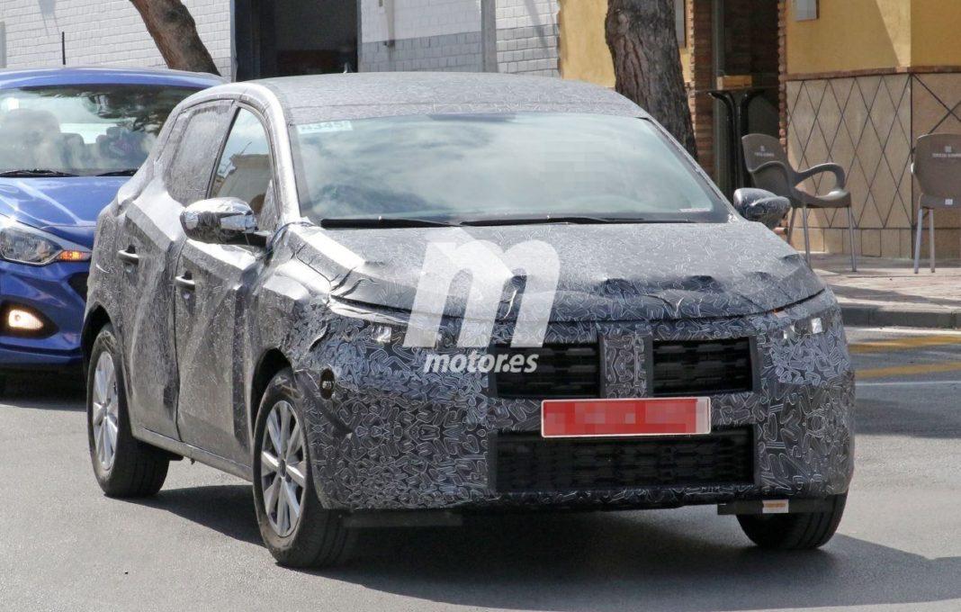 Primele imagini cu noua Dacia Sandero